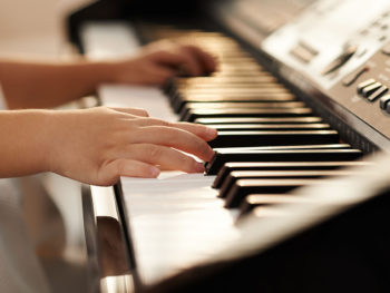 Best Pianos for Kids Playing From Beginning